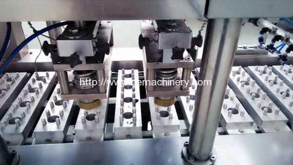 Capsule-sealing-of-linear-type-coffee-capsule-filling-sealing-machine