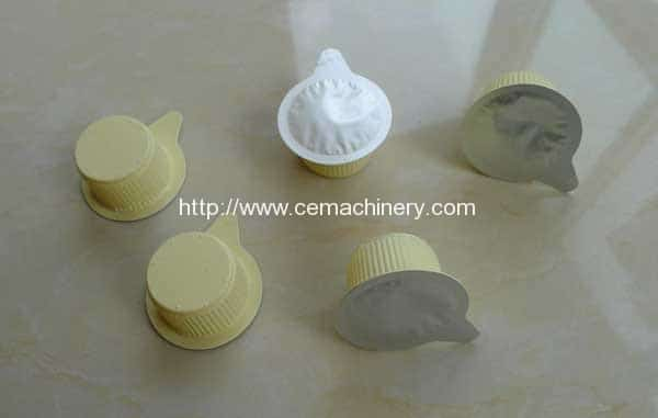 Thermomforming-cup-with-filling-sealing-function