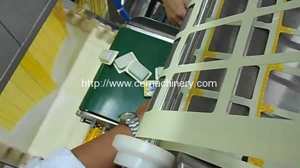 Jam-Sealing-and-Cutting-to-Final-Jam-Package