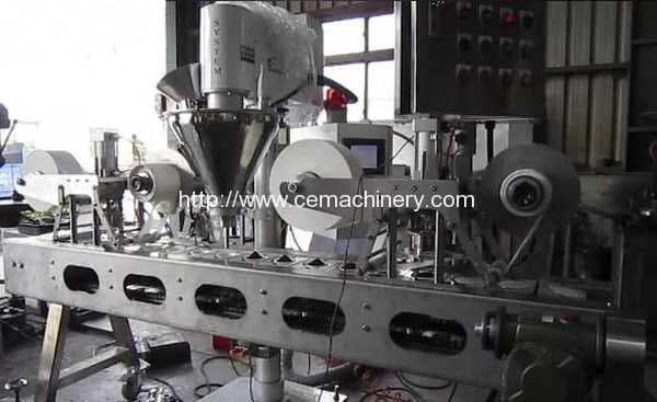 Bolsitas de café de forma redonda Formación de llenado y sellado de la máquina de embalaje