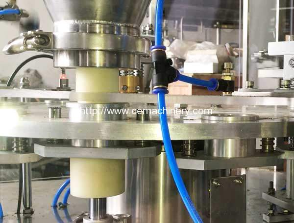 High-Speed-Coffee-Capsules-Filling-Sealing-Machine-Powder-Screw-Feeding-Device