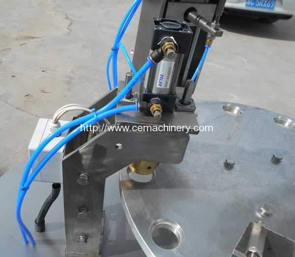 High-Speed-Kcups-Capsules-Filling-Sealing-Machine-Brass-Sealing-Head