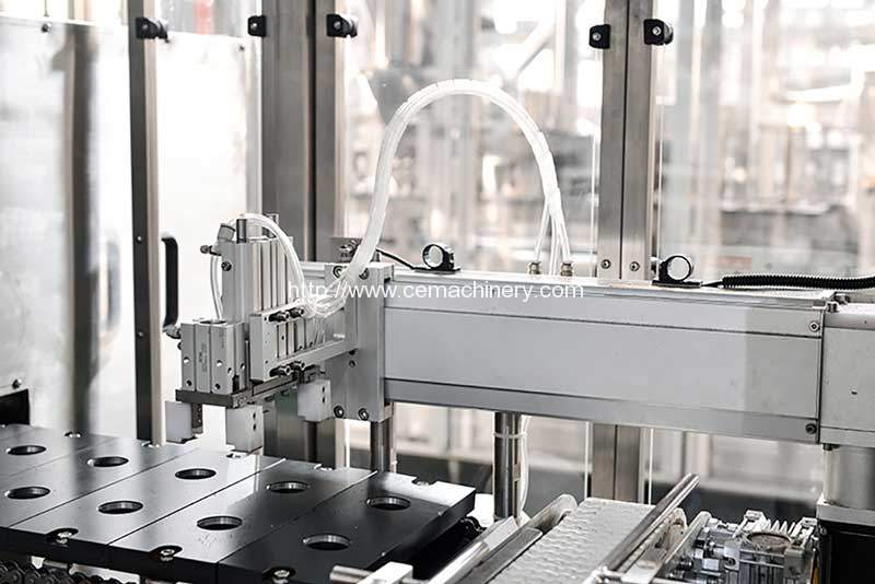 High-Speed-Coffee-Capsules-Filling-Sealing-Machine-Capsule-Suction-and-Passing-to-Conveyor-Belt-Device-Manfuacture